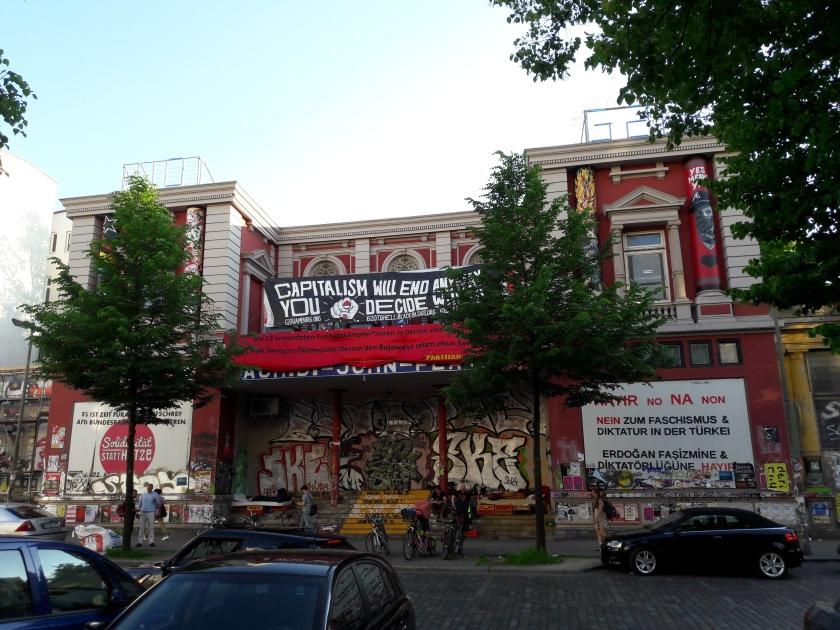 Schanzenviertel-RoteFlora.jpg