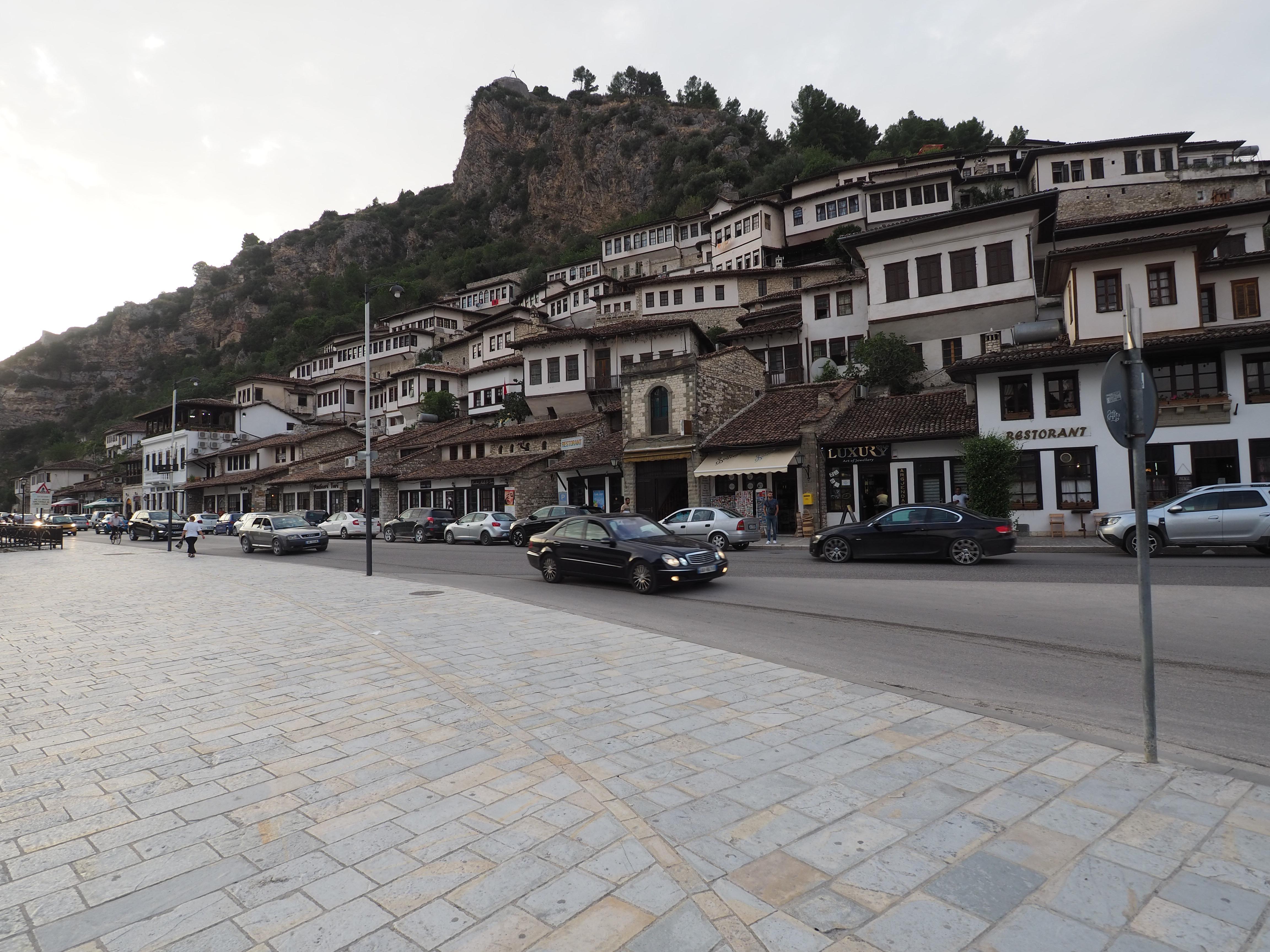 Berat – Stadt der 1000 Fenster